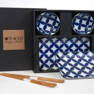 Tokyo Design Studio sushi set flower